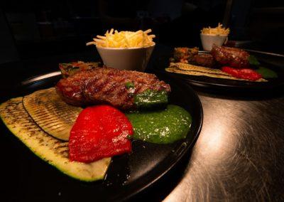 * Entrecôte uruguayenne, pesto de roquette & légumes du sud.