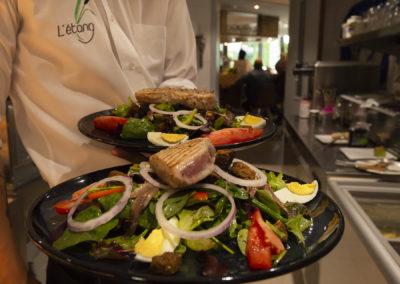 salade niçoise et pav de thon grillé