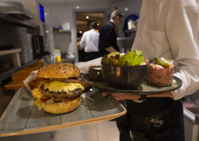 200306-08 pepper & bacon burger web _DSC8400